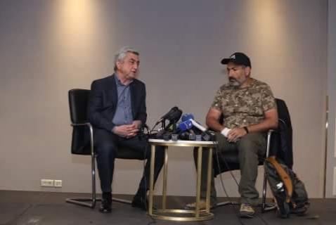 El encuentro entre Nikol Pashinyan y Serzh Sargsyan duró poco