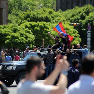 Armenia está paralizada por los cortes y huelgas