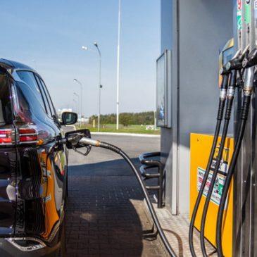 Se espera baja de precio de los combustibles en los próximos días.
