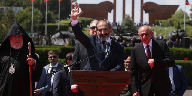 Pashinyan: » El pueblo armenio venció, porque por primera vez no esperaba nada de los demás, sino de sus propias fortalezas.