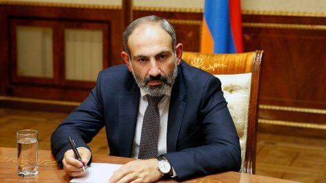 Nikol Pashinyan viajó a Sochi y se reunirá con Putin.