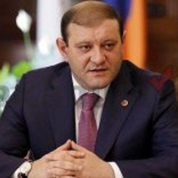 El Intendente de Yerevan confirmo que No renunciará.
