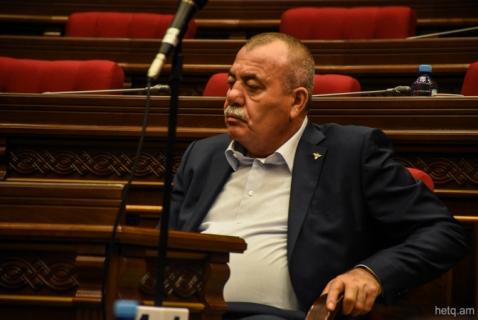 Arrestan al diputadoManvel Grigoryan por tenencias de armas y equipos destinados para el ejercito.(VIDEO)