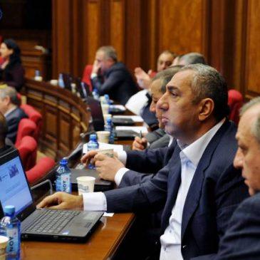 El diputado Samvel Alexanyan renunció al Partido Republicano y ya son 6 los que abandonan el partido.