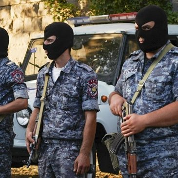 GOLPES A LA MAFIA: El hermano menor del ex presidente Serzh Sargsyan, y su sobrino detenido por agentes de seguridad nacional
