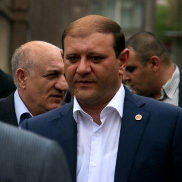 Sigue la purga en la nueva Armenia:Renunció el alcalde de Yerevan, Taron Margaryan