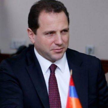 """""""Ahora es el turno de Turquía de presentar iniciativas constructivas"""" – Ministro de Defensa sobre las relaciones entre Armenia y Turquía"""