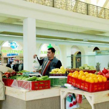 Los precios de las frutas y verduras disminuyeron, pero el de la manteca y los productos cárnicos aumentaron