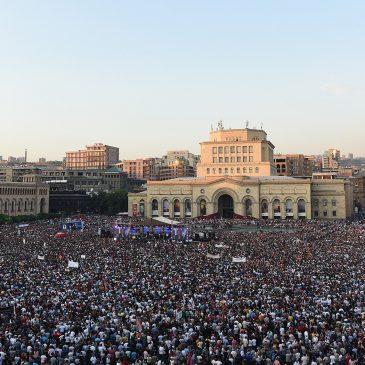 Multitudinario acto por los 100 días del nuevo Primer Ministro, Nicol Pashinyan.
