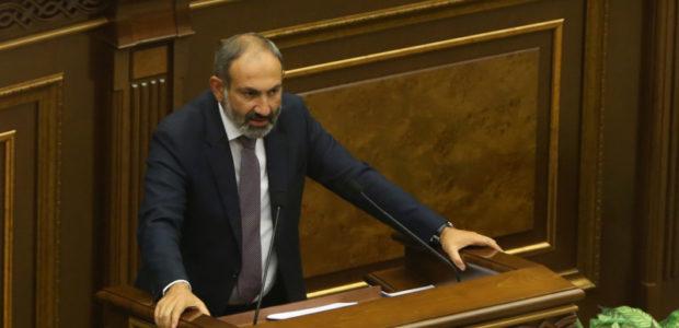 La retórica bélica de Azerbaiyán es el mayor obstáculo para las negociaciones, dice el primer ministro de Armenia