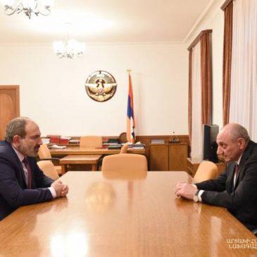 Los líderes de dos repúblicas armenias destacan una cooperación más estrecha entre Armenia y Artsaj