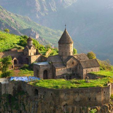 """""""Armenia es un paraíso entre Europa y Asia"""", dijo la revista española Etheria Magazine"""