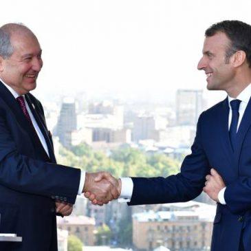 «Estamos con Ustedes en la conmemoración, estamos con Ustedes para el futuro de Armenia» – Macron le dice a Sarkissian en una sincera carta