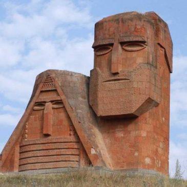 Pashinyan reitera su posición sobre una resolución aceptable de NK