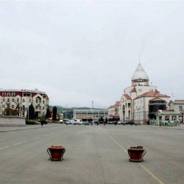 URGENTE: Azerbaiyán bombardea los asentamientos civiles de Artsaj, incluida la ciudad de Stepanakert