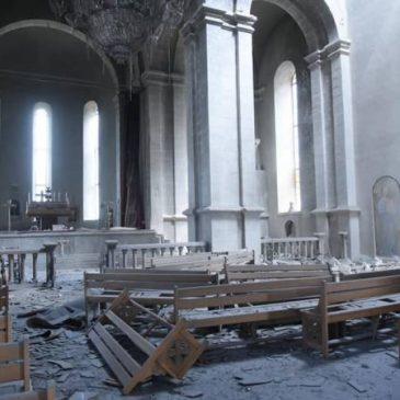 Azarbaiyan bombardeo la Catedral de Shushi (FOTOS)