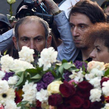 Nikol Pashinyan colocó flores en el Memorial del Genocidio y honró la memoria de las víctimas.