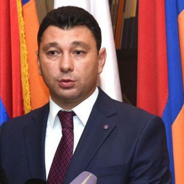 Sharmazanov: El Partido Republicano (HHK) no nominará candidato.