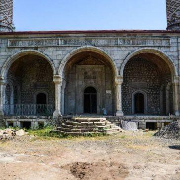 Múltiples excavaciones planificadas en sitios arqueológicos de Artsaj para 2018, mezquita de Shushi en restauración.