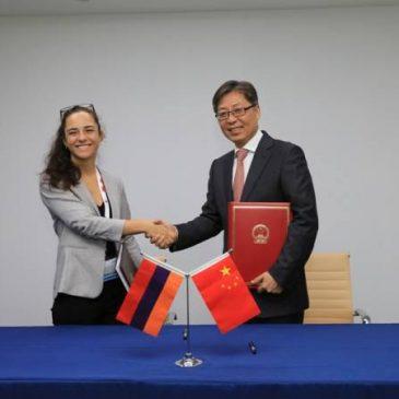 Armenia y China firman acuerdo de comunicación aérea