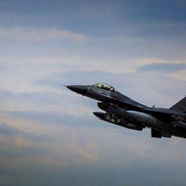 Caza F-16 turco derriba avión de Armenia en el espacio aéreo armenio