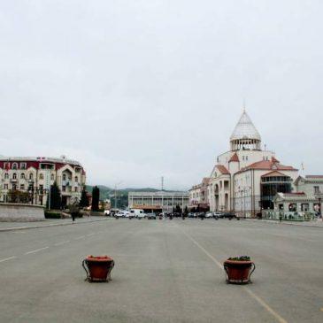La capital de Artsaj nuevamente bajo ataque de misiles azeríes